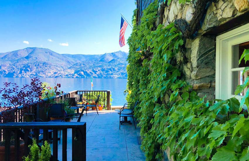 Kelly's lake view Lake Chelan Lodging