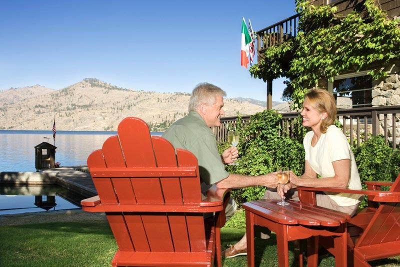 Kelly's resort couple enjoying wine