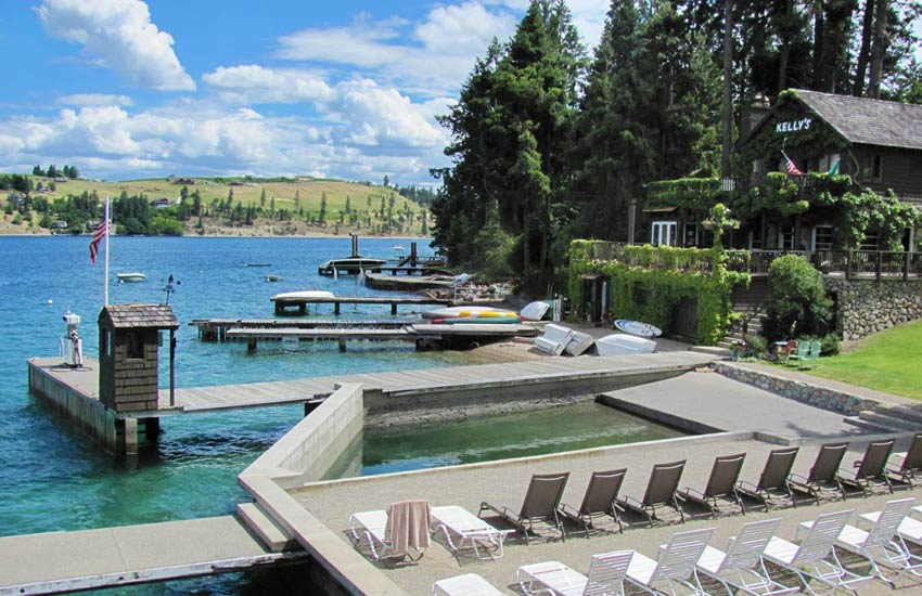 Kelly's waterfront Lake Chelan Lodging