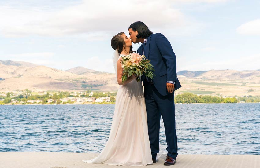 Bride and Groom Lake Chelan wedding venue