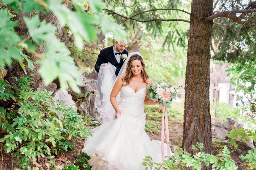 Lake Chelan Wedding at Kellys Resort